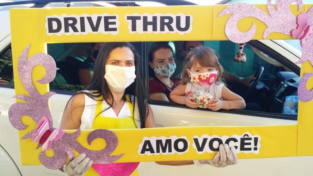 Escola de Guaraí promove drive thru para aproximar alunos afastados por conta da pandemia