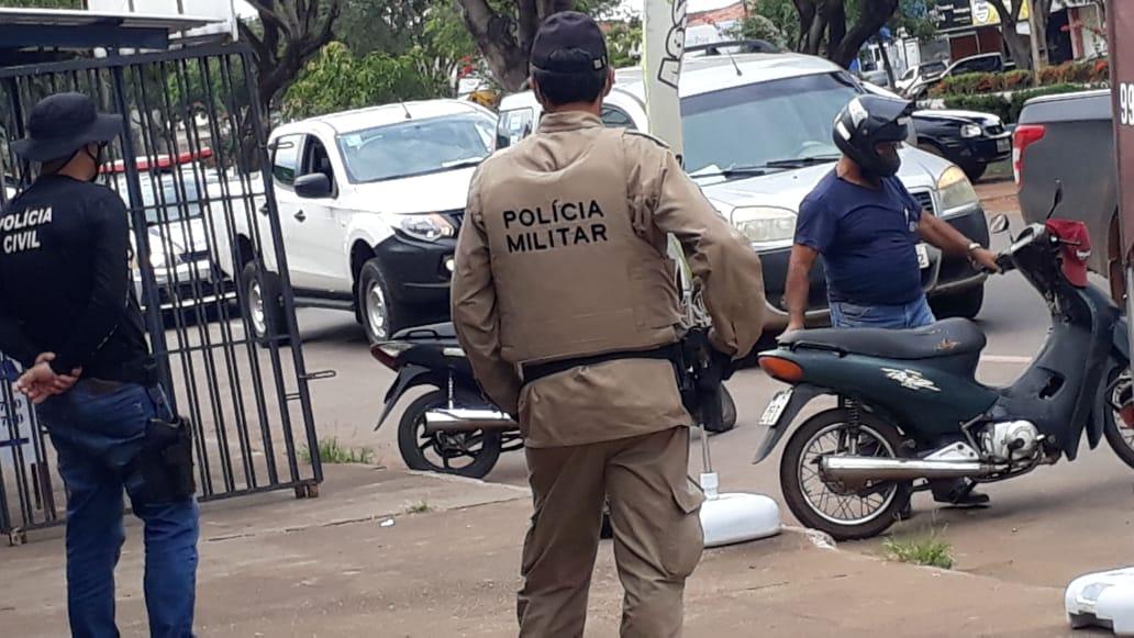 """Forças de segurança iniciam operação para orientar população de Guaraí sobre o """"lockdown"""""""