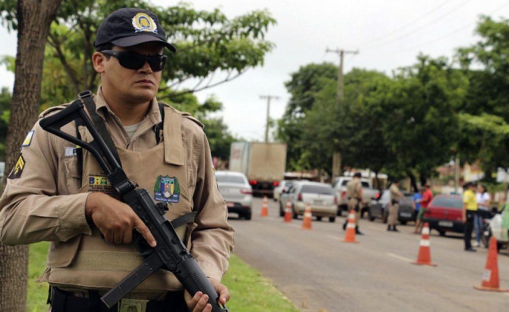 Ação da PM resulta na prisão de três indivíduos com drogas (crack e cocaína) em Guaraí