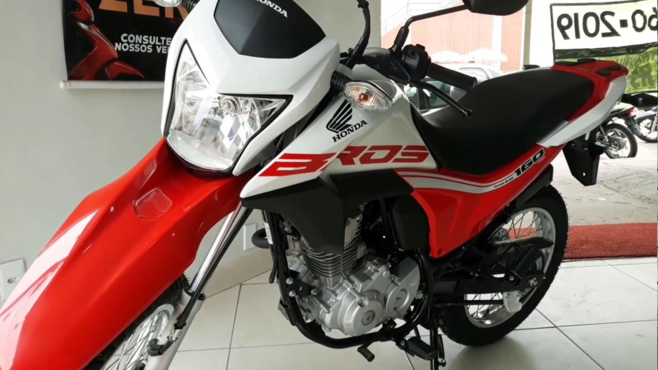 Câmera de segurança flagra roubo de moto em Guaraí; vítima dormia na mesa de um bar
