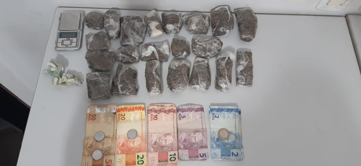 Durante investigação sobre furtos, Polícia Civil prende mulher com drogas e dinheiro em Guaraí