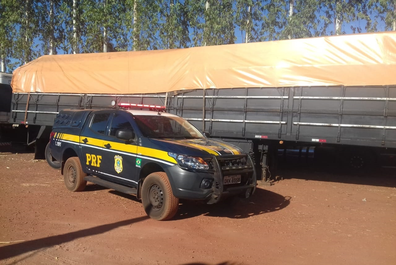 PRF de Guaraí recupera carreta roubada há 25 anos, pouco tempo depois de ter sido fabricada