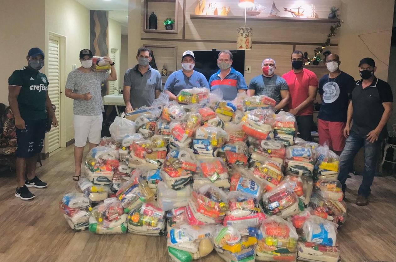 """Live """"Recordações"""" arrecada mais de R$ 13 mil em doações e 129 cestas básicas para Guaraí"""