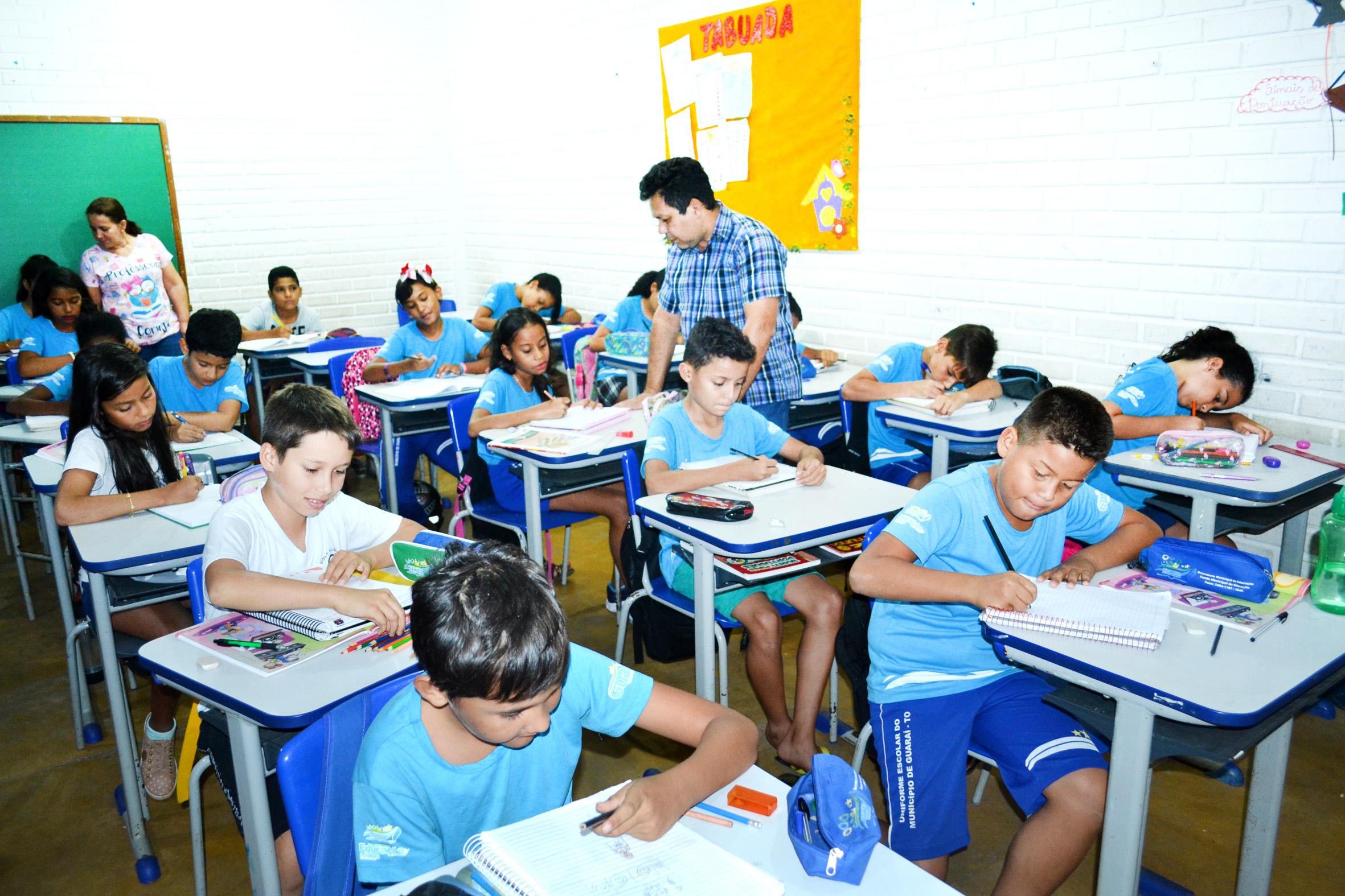 Guaraí reajusta em 12,84% piso dos professores, mas SINTET cobra correção das tabelas