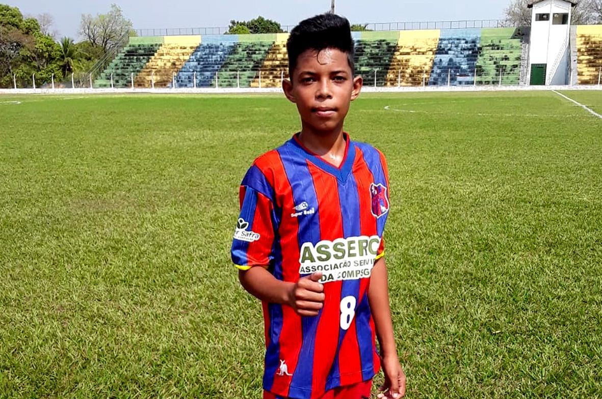 Garoto que participa de projeto esportivo da Prefeitura de Guaraí realiza teste em time de Goiás