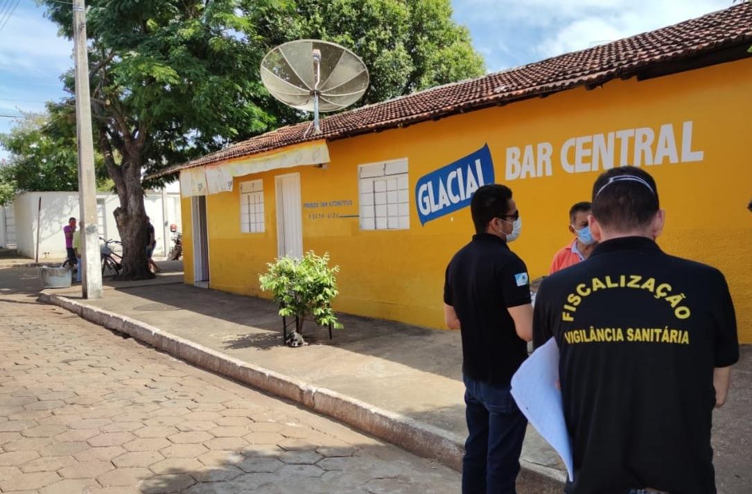 Vigilância orienta donos de bares; consumo no estabelecimento não é permitido em Guaraí